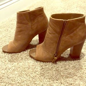 Levity Brown Ankle bootie